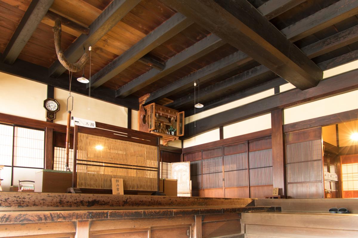 Large-scale residence by Kawajiri Jisuke