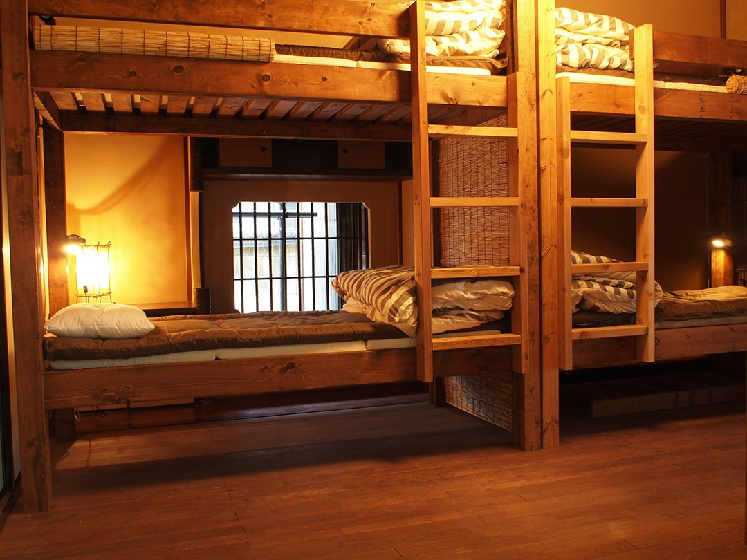 宿泊スペースは2段ベッドのドミトリールーム