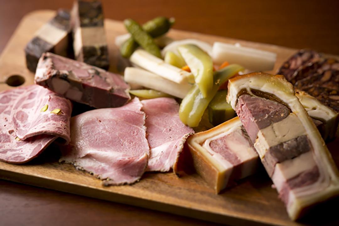 素材の味を最大限に生かす食肉加工