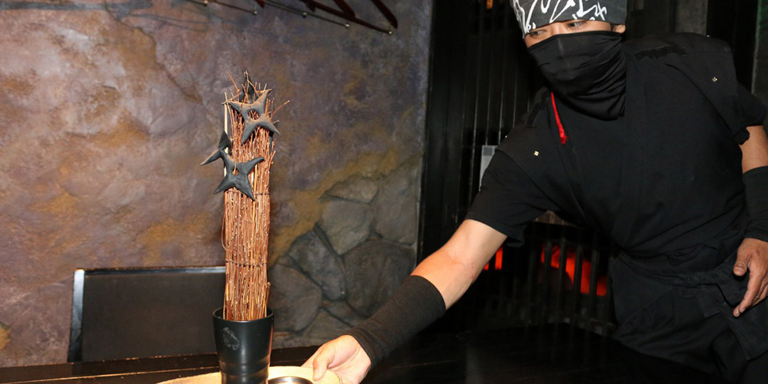 【TOKYO NIGHT SPOT】 A group of ninja welcomes you in hidden village! This is a restaurant where you can enjoy dishes with the motif of ninja art