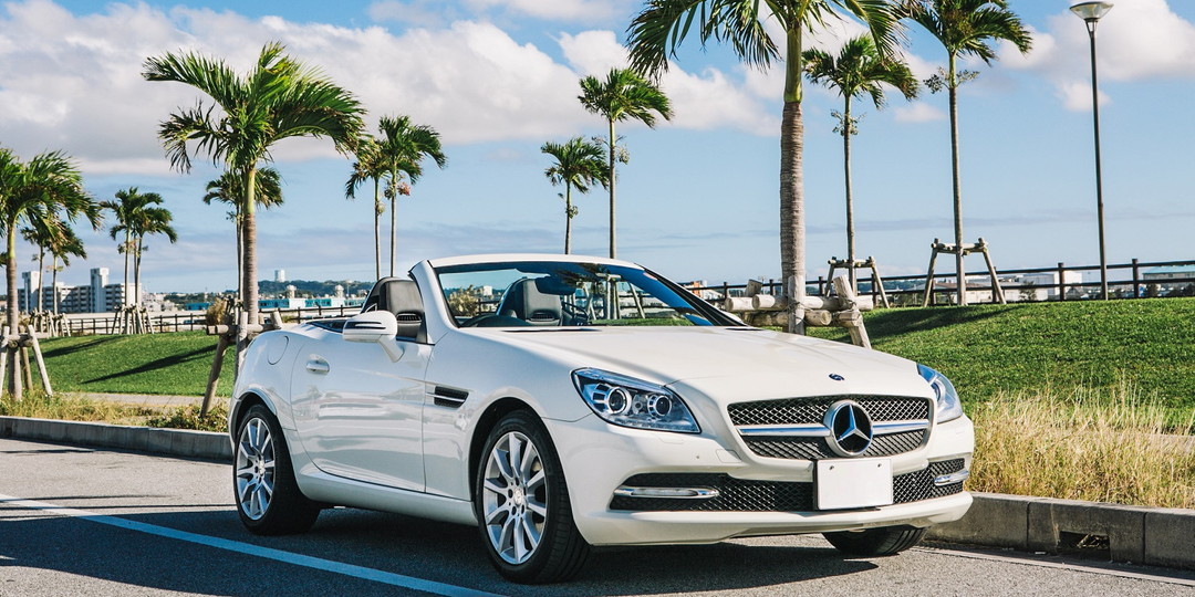 Okinawa's luxurious rental cars that further stimulates the resorty mood