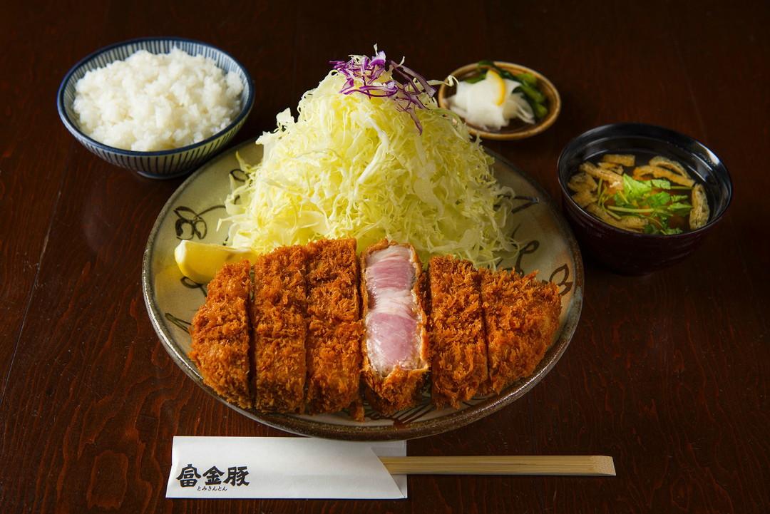 노토 부타(能登豚・노토반도의 명물 돼지고기)-도미킨톤(富金豚) 가나자와 포러스(Forus) 점