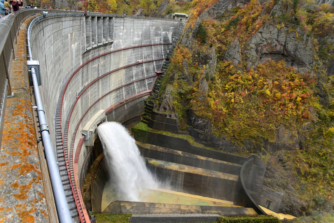 [Houheikyou Dam] Watch dam discharge for tourists up close!