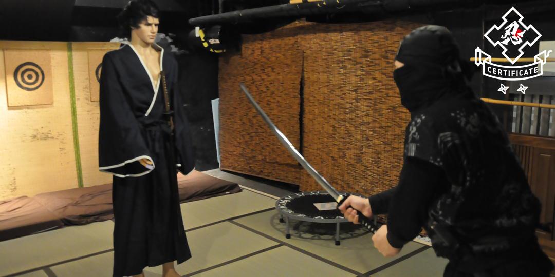 在熱門的忍者觀光景點「HOKKAIDO NINJA DO!」進行正統的忍術體驗!