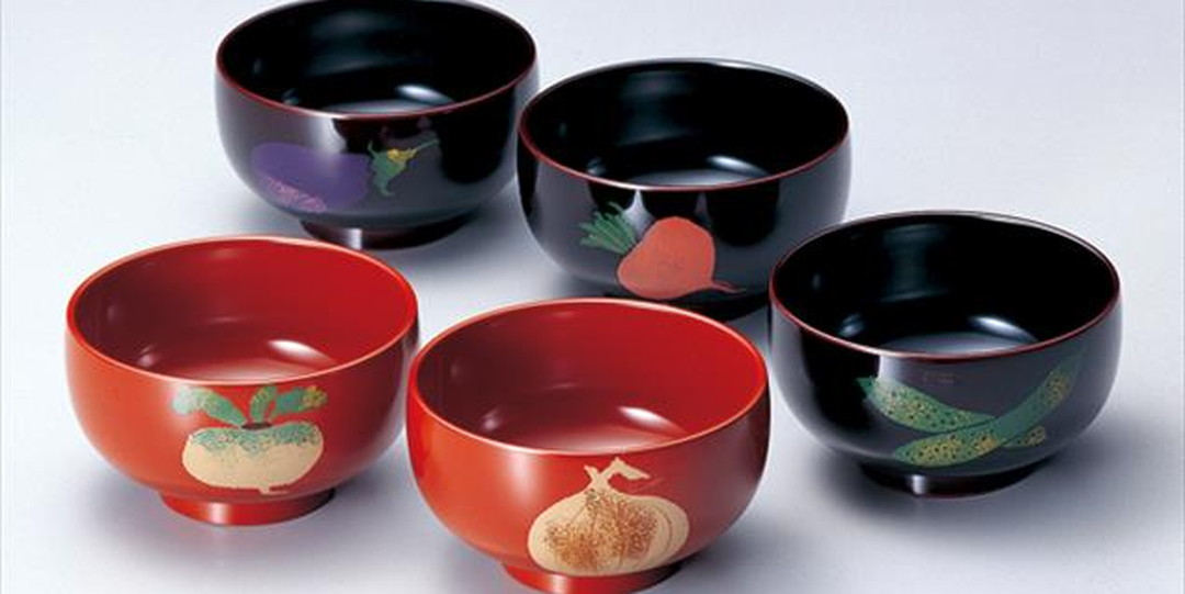 Echizen Lacquerware with a 1,500-year history, for which lacquer is the most important