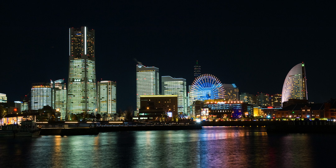 [Yokohama Minato Mirai 21] Beauty like a glittering jewel! Let's have a romantic moment in a night view spot