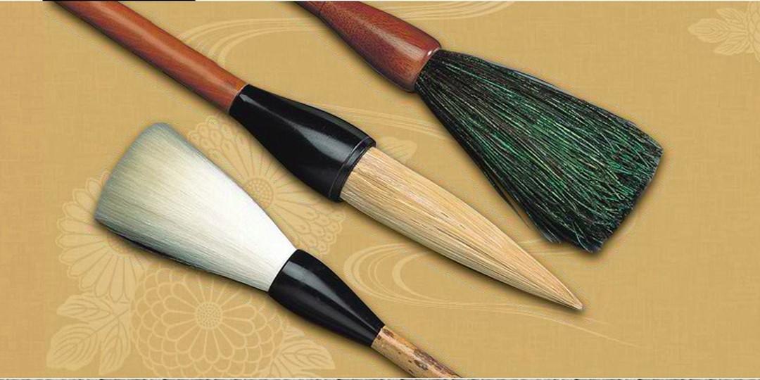 1支1支精心手工制作的菊寿堂的川尻笔