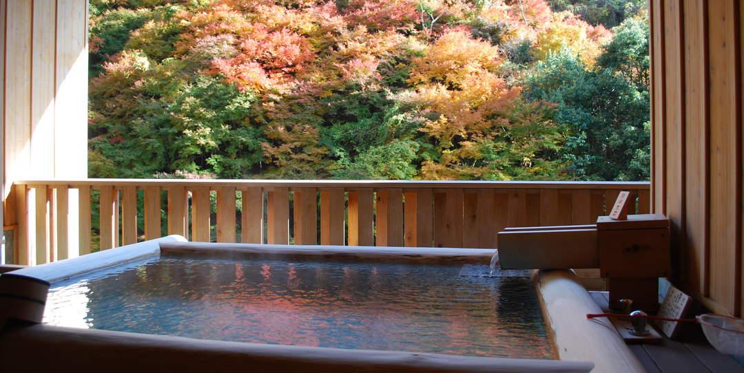 【西日本】温泉×红叶的奢侈时间!5处秋天独有的红叶露天温泉