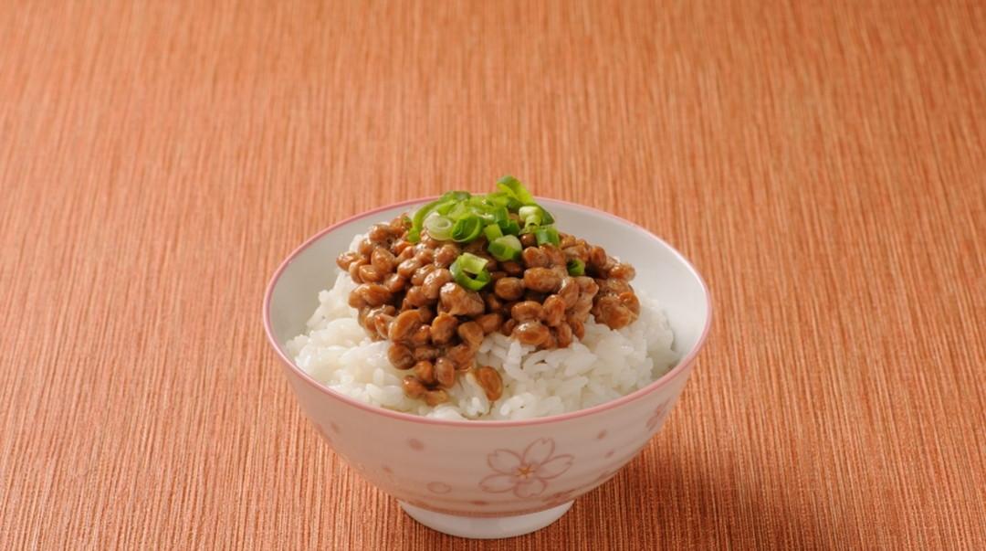 몸에 좋은 버라이어티 풍부한 본고장 미토(水戸) 낫토(納豆・콩을 발효시킨 일본 전통의 발효식품)