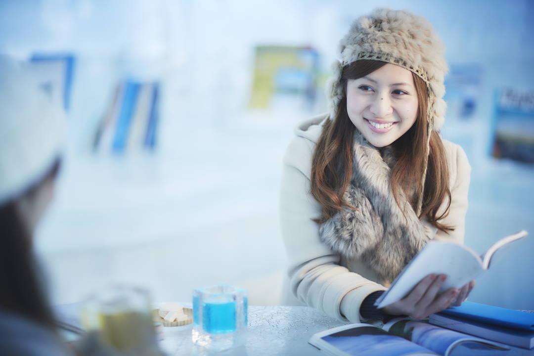【氷のBooks&Café】氷の中でまったり過ごせる癒しの空間