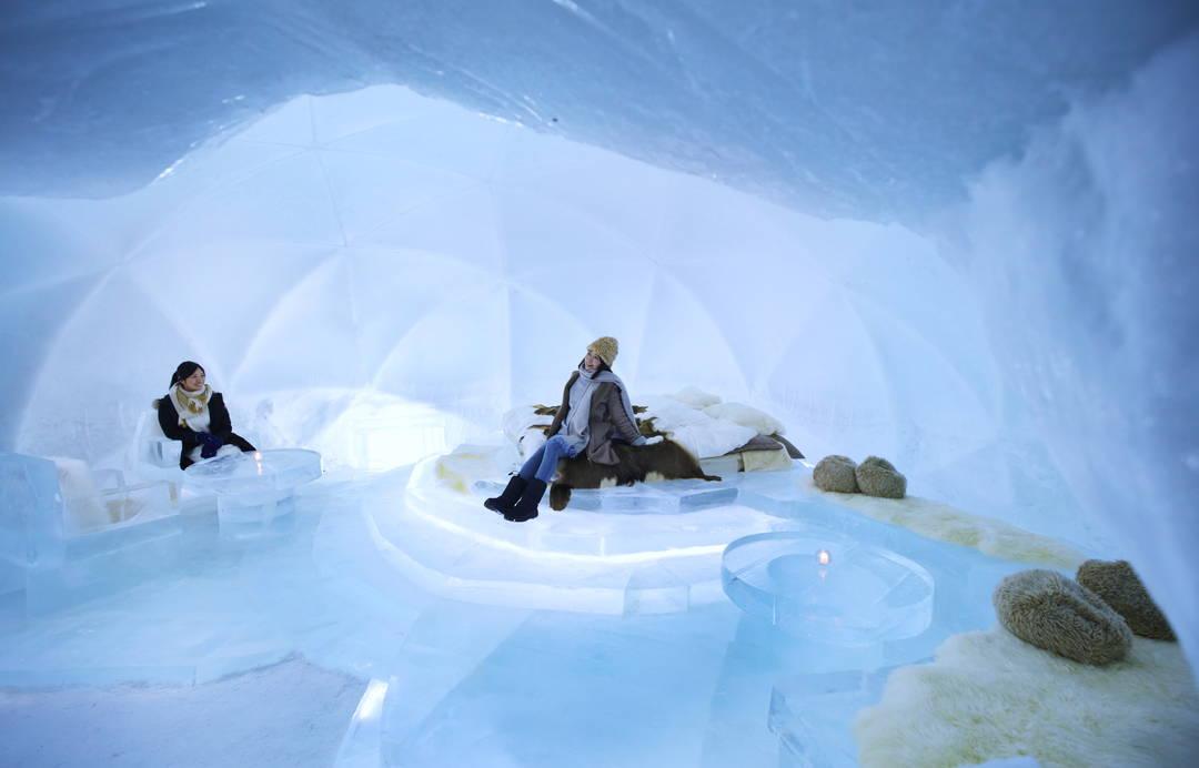 【氷のホテル】全てが氷の空間で宿泊体験!?