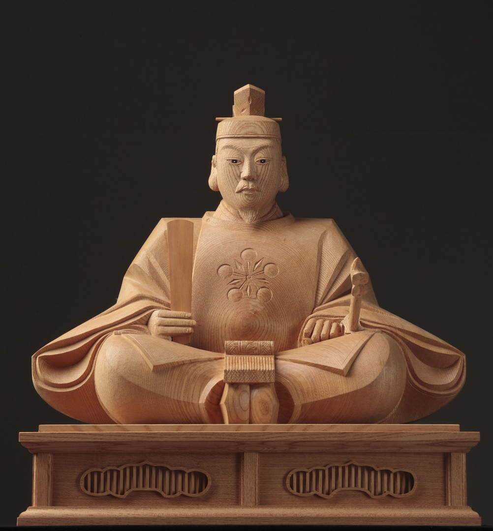 "The god of learning, ""Tenjin-sama"" with beautiful wood grains and color tones"