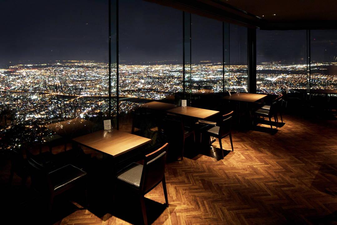 夜景を眺めながらディナーを楽しむレストラン【THE JEWELS】