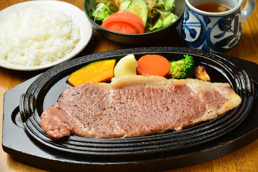 極上の米沢牛のおいしさをステーキで楽しむ【ステーキハウス・オルガン】