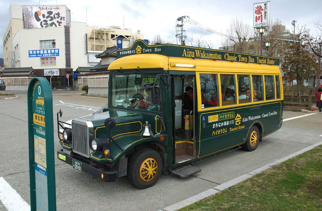 周遊バスを利用して白虎隊ゆかりの地へ
