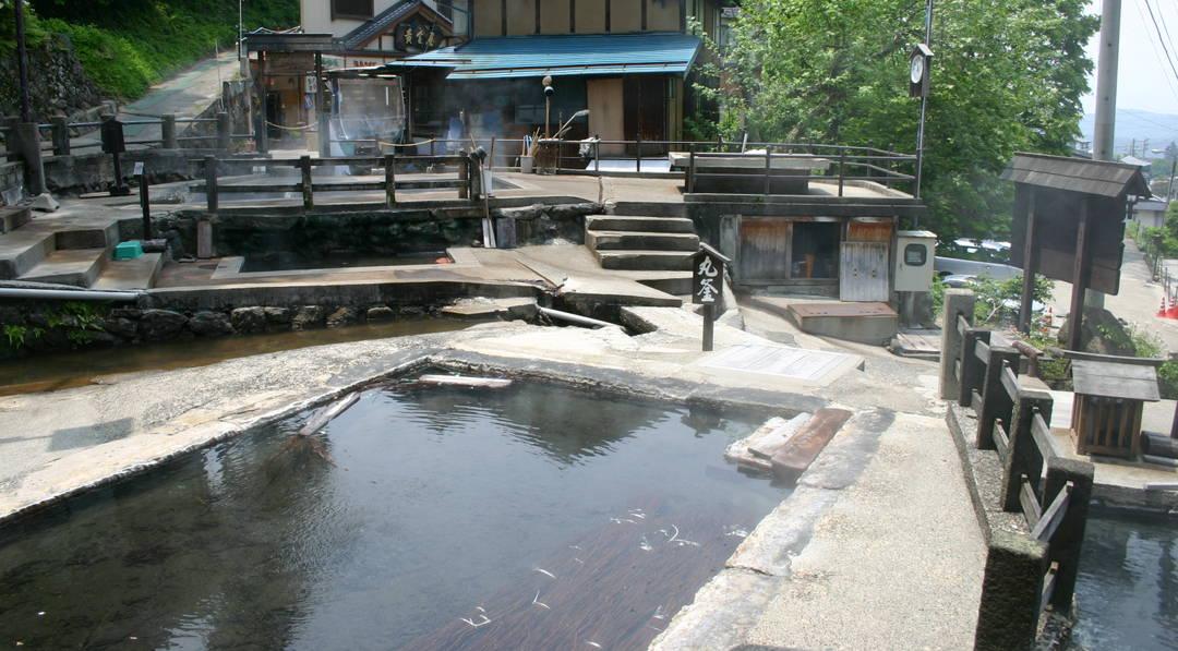 【野泽温泉】开汤竟然是在奈良时代!?  在历史悠久的温泉街玩转外汤