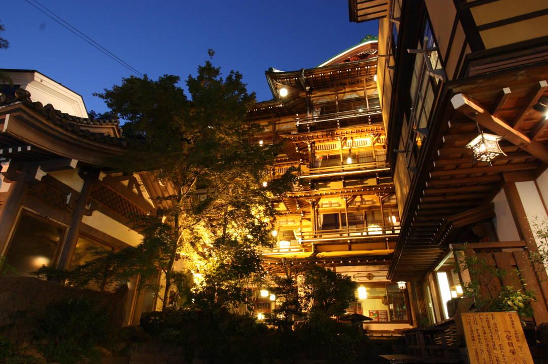 以館內旅遊來參觀領略日式建築的精髓!