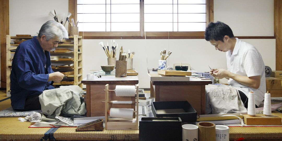 """将传统的""""纸卷笔""""传承至今的唯一的笔匠""""云平笔"""""""