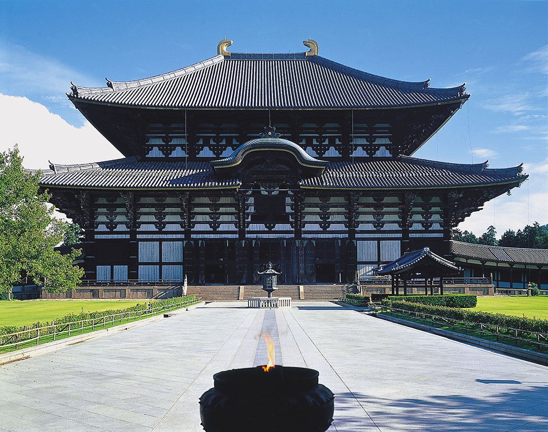 "Its height: Approximately 15 meters! The world's largest ""Great Buddha of Nara"" Todai-ji Temple"