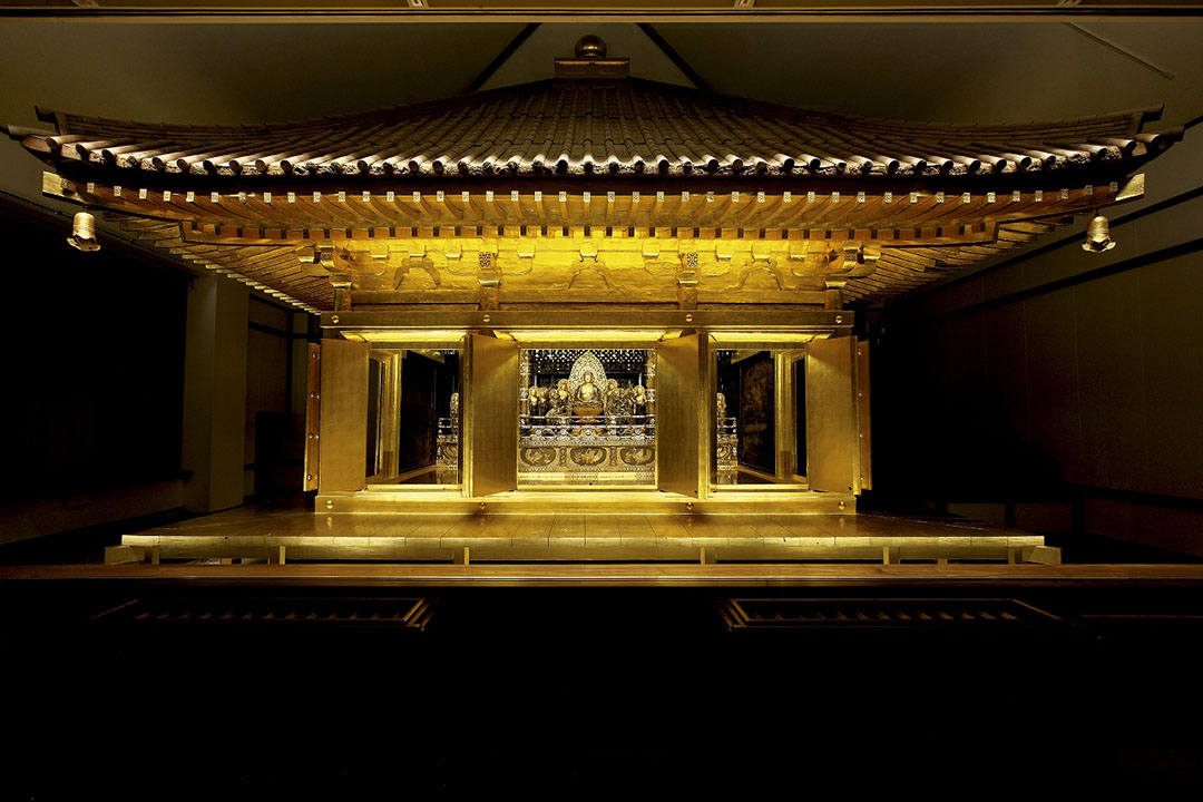 A golden hall that shines in otherworldly beauty Chuson-ji Temple