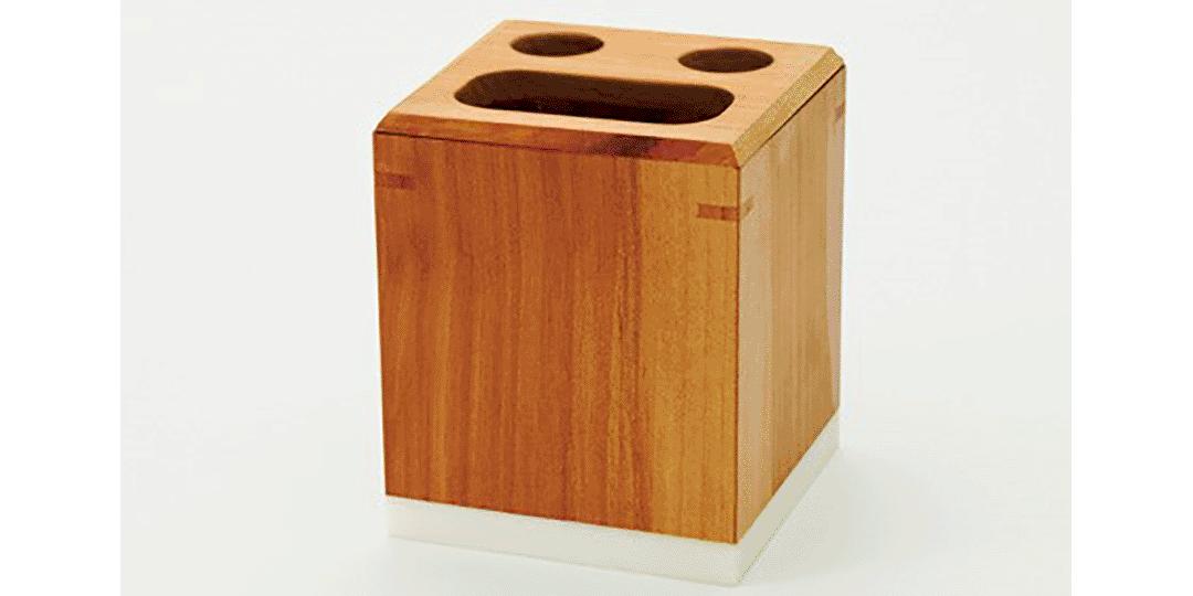 完成使命的「蘋果樹」變成了色澤光潤的木工工藝品