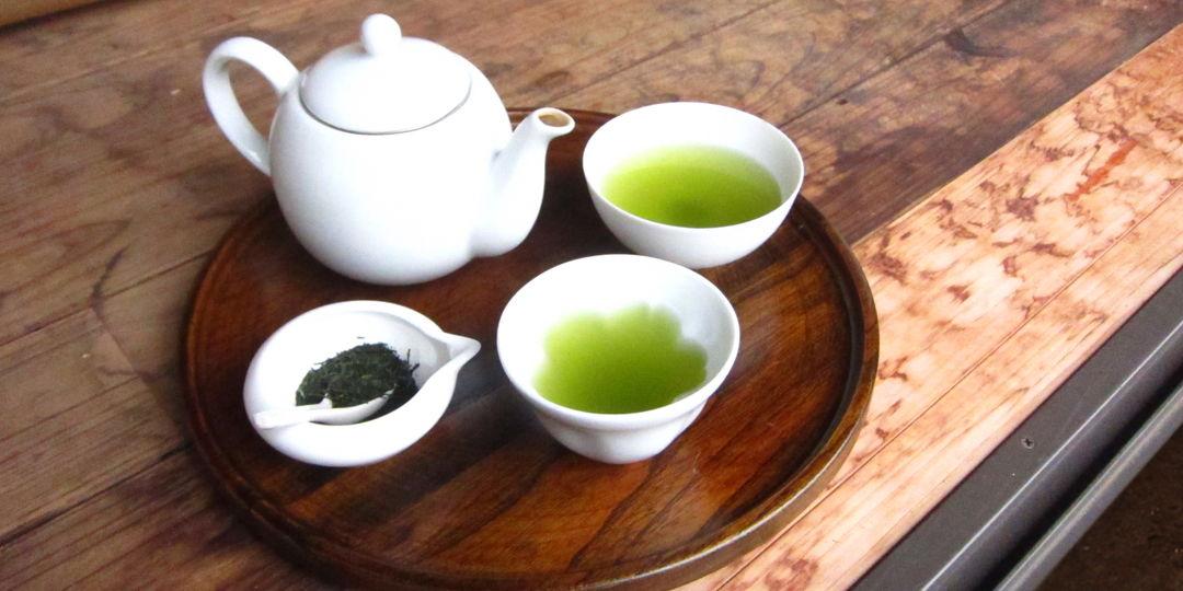 自社茶園そして製茶工場を持つ、新井園本店の【狭山茶】