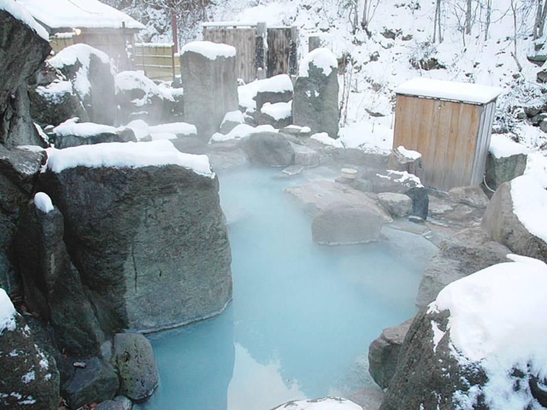 これぞ秘湯! 雪中を歩き、辿り着く【栃木県・加仁湯】