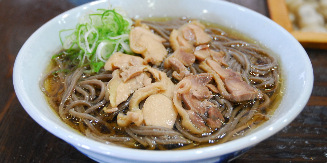 Specialty of Kahoku, Yamagata! You can order cool Nikusoba (buckwheat noodles with meat toppings)!?