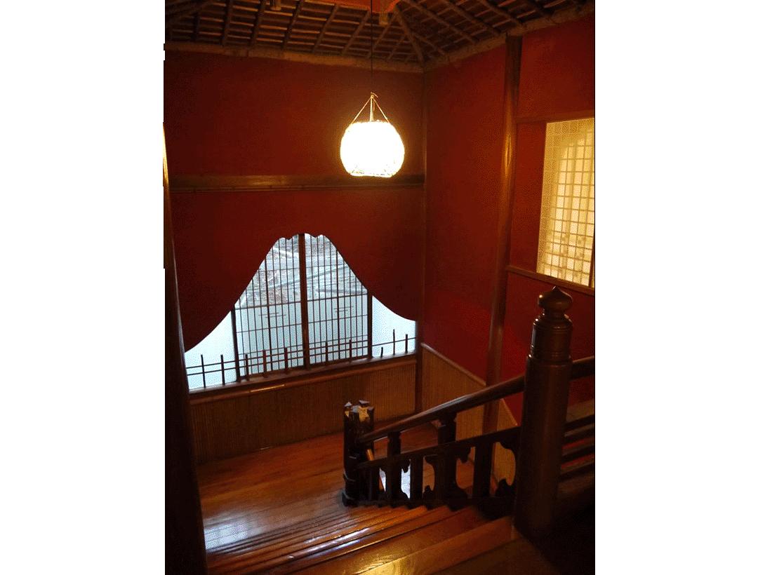 楼梯平台上有富士山!   木匠的玩心令人钦佩!