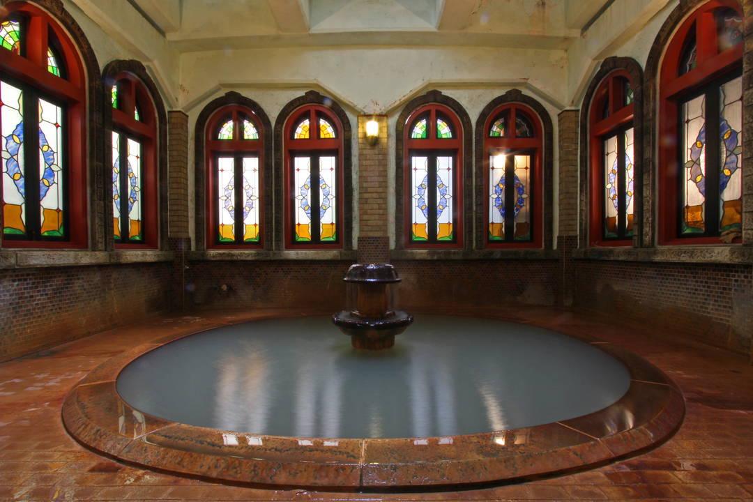 来畅享怀旧风情和优质源泉的温泉!
