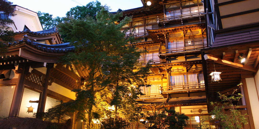【历史之宿  金具屋】还成为了吉卜力的原型!?  在登录有形文化财的温泉旅馆里接触木匠的精髓