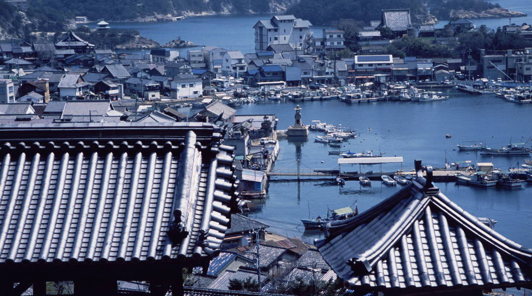 """Nostalgic stroll in a port town """"Tomonoura"""" and a town of slope """"Onomichi"""", where merchant houses line"""
