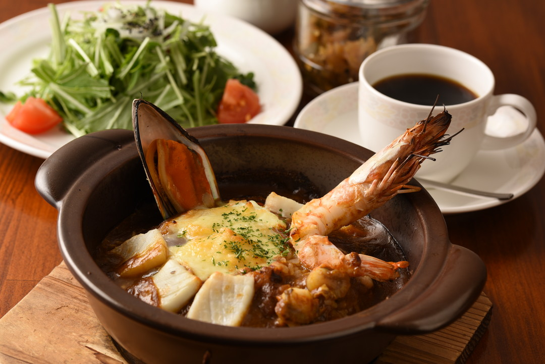 """日式咖喱经过独自进化形成的""""烤咖喱"""""""
