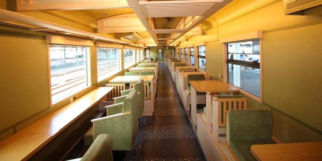 搭乘觀光列車由下關→萩。可以接觸到動盪時代之歷史的旅程