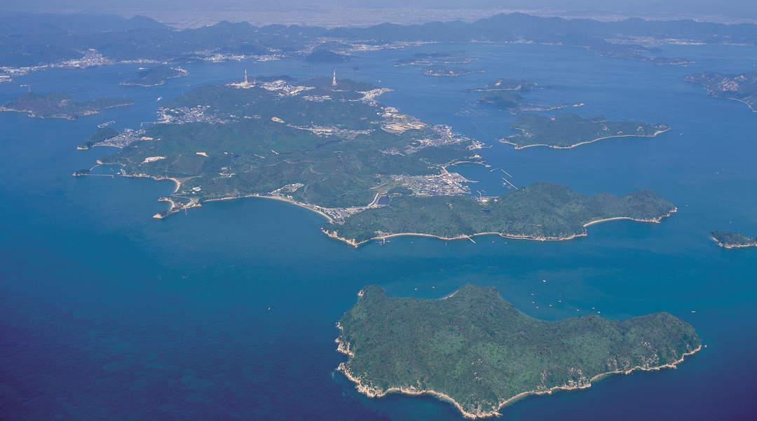 """Sail around by the ship from Okayama Setouchi """"art"""" island hopping"""