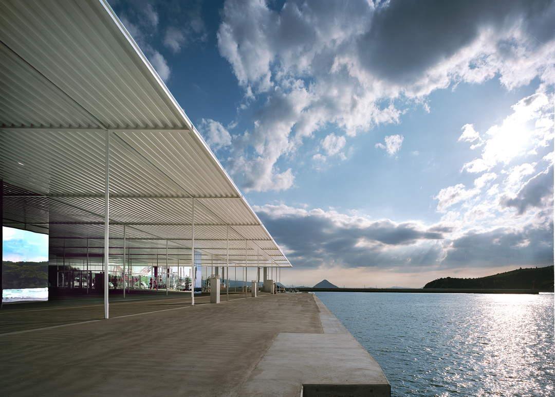 从安藤忠雄建筑到室外的作品 讨论很多现代艺术(直岛)
