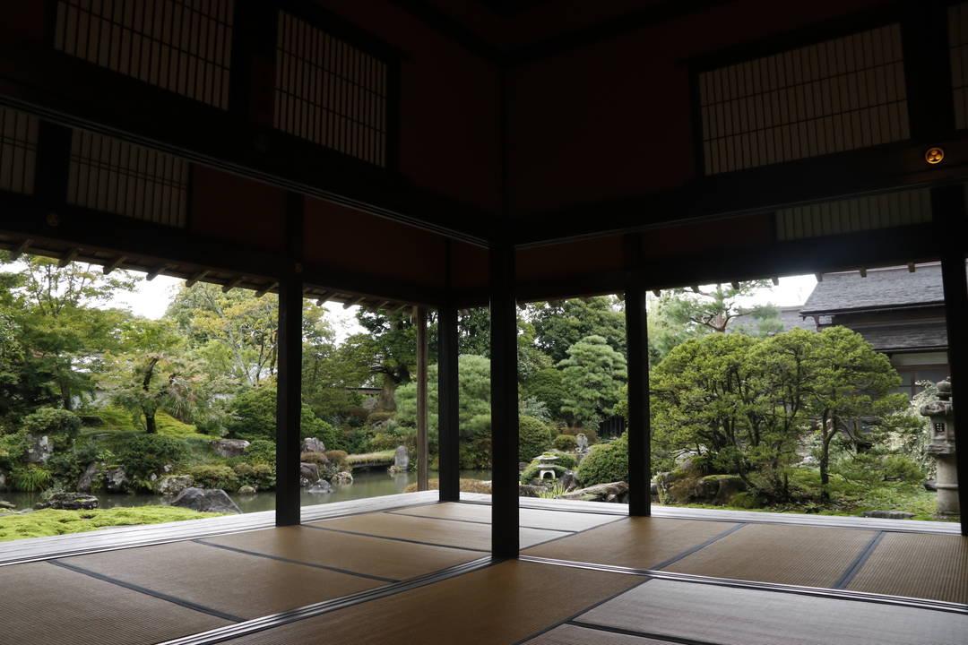 美しい日本庭園も見どころ