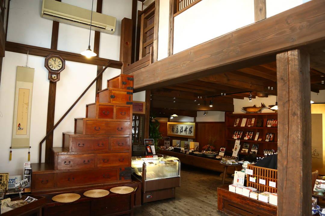 也請關注古老的町屋構造、傢俱、季節活動