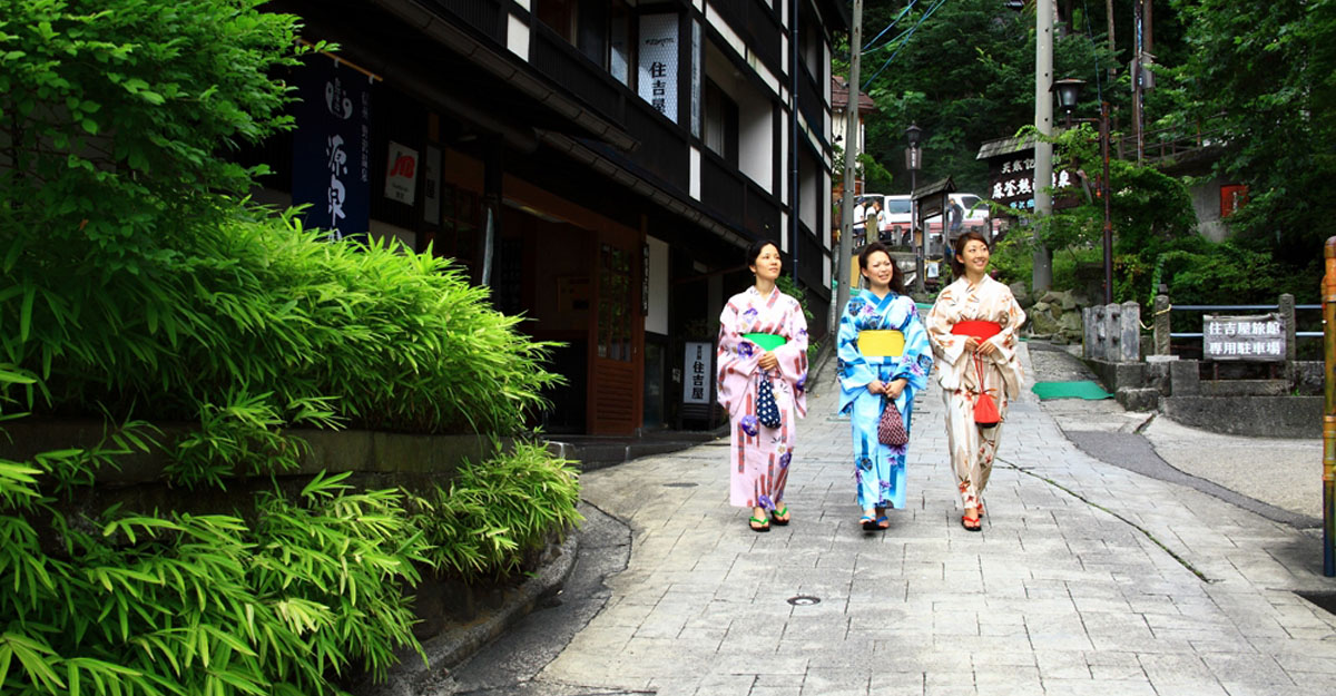 A community-based onsen town distinctive of Shinshu/Nagano