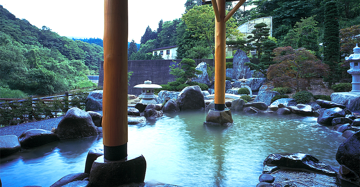 An onsen boasting over 1000 years of history. Also one of Tohoku's tourist highlights.