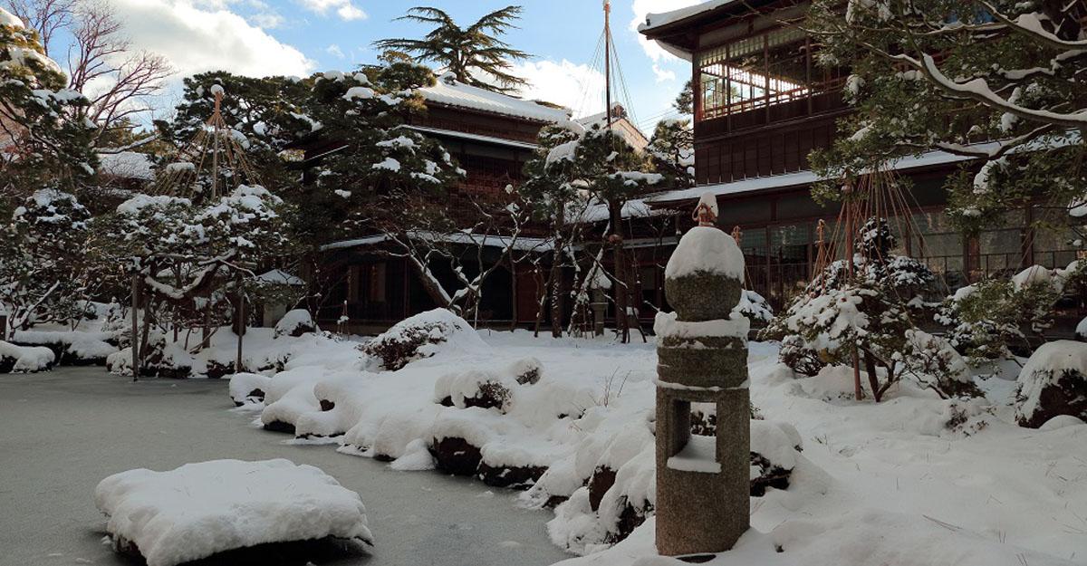 新潟三大財閥のひとつ、齋藤家が建てた美しき邸宅へ
