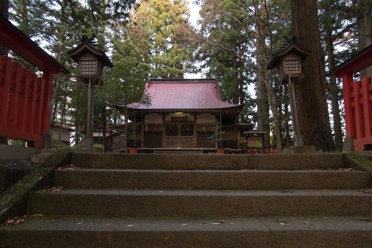 Haiden (worship hall) of Higashiyama Hakusan Shrine