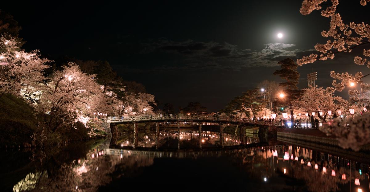Takada Castle Million-Visitor Cherry Blossom Festival