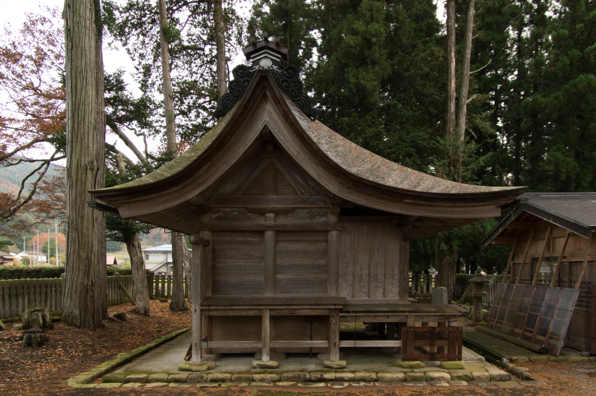 Honden (main building) of Araki Shrine