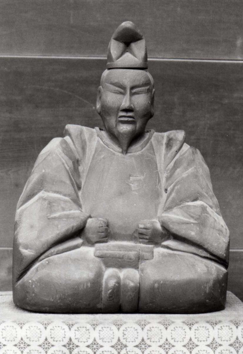 Statue of Hida no Takumi Mokkaku Dainyojin and a printing block
